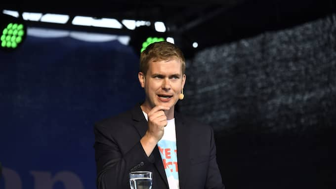 Utbildningsminister Gustav Fridolin talade på måndagen under Järvaveckan. Foto: / SVEN LINDWALL