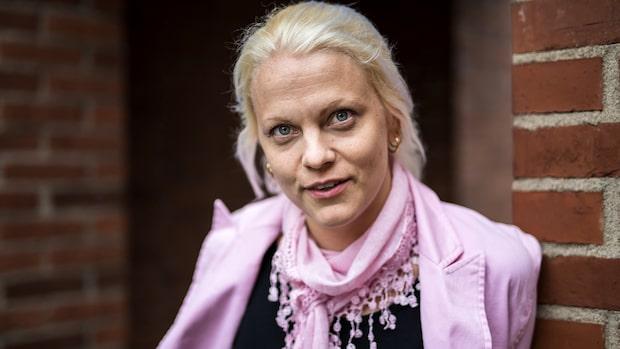 """Pilthammar gör comeback efter """"gruppsexbilden"""""""
