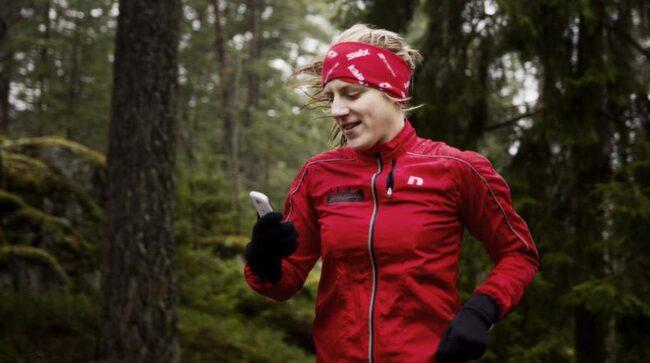 Pressad. Anna Pernestål Brenden är själv väldigt sportig, cyklar mycket och genomför triatlon, men känner ändå stress över sina vänners statusuppdateringar. Foto: Lisa Mattisson