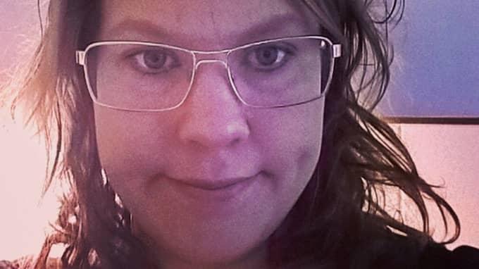 Annie Ingemarsson berättar om sorgen över att inte kunna skydda sin dotters grav. Foto: Privat