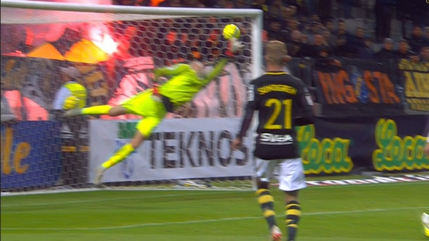 Örebro chockar AIK på tilläggstid