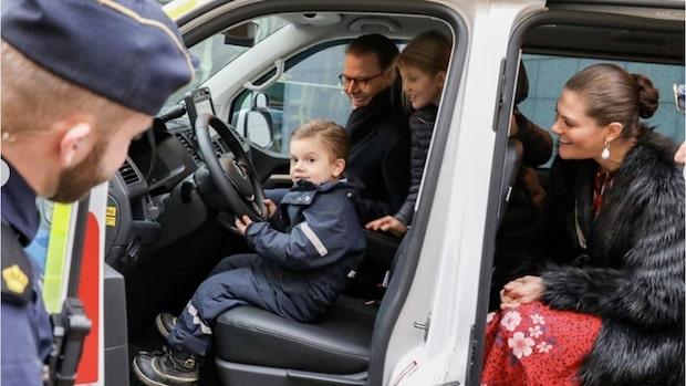 Estelles och Oscars julmöte med polisen