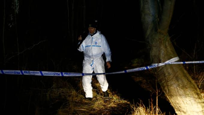 Polisen har spärrat av området för teknisk undersökning. Foto: / FOTO: HENRIK JANSSON