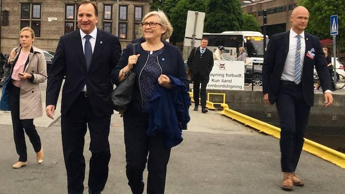 Stefan Löfven och hans hustru Ulla är på plats i Bergen för det årliga statsministermötet. Foto: Niklas Svensson