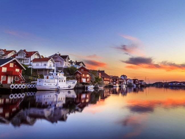 <span>Känt för sin sill. Klädesholmen var redan på 1500-talet ett känt fiskesamhälle och sedan dess har man förknippats med sill.<br></span>