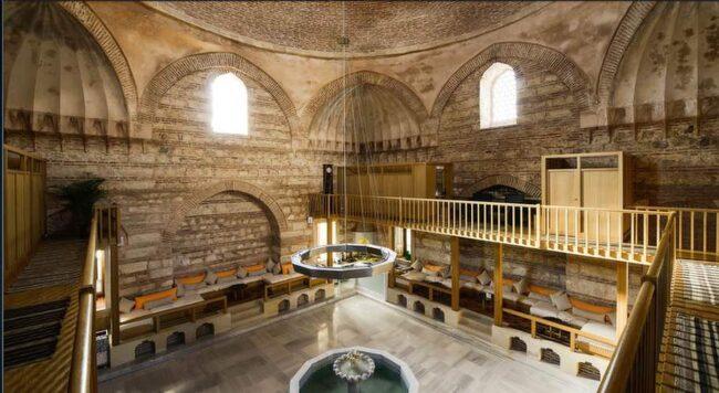 Kilic Ali Pasa Hamam är vackert renoverat och ligger i Karaköy. Njut av det turkiska badet och massagen i vilsam mijlö med spakänsla.